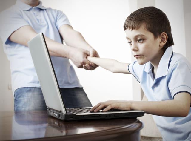 Windows 10 Tip: Giúp trẻ an toàn trên máy tính